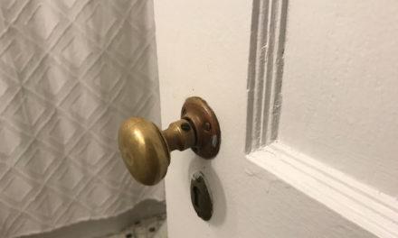 HOW TO TIGHTEN OLD DOOR KNOBS