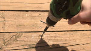 driving replacement deck screw with drill